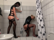 golden-shower-humiliation (4)