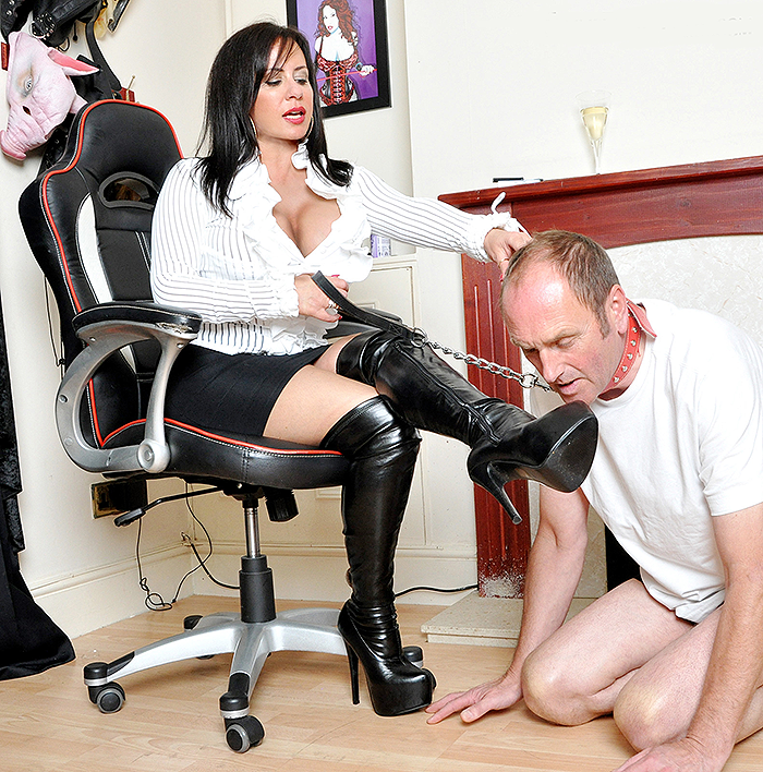 mistress-r-eal